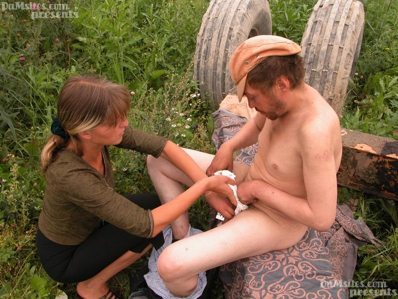 Hobo and his wife get naked